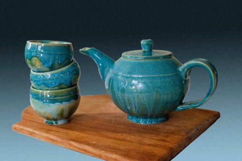 Чайник с чашками, керамика