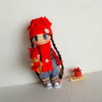девочка-с-санками-кукла-интерьерная-текстильная